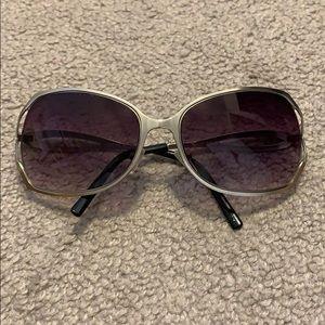 f12edfc77075 Steve Madden Sunglasses for Women   Poshmark